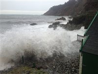 Stay indoors, Islanders warned - picture