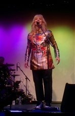 Toyah wows fans in Peel - picture