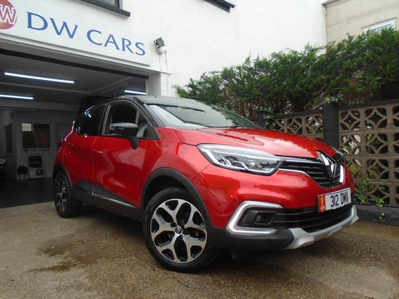 Renault Captur 1.5 dCi 90 Gt Line Nav Energy 5dr Flame red Diamond black roof Full heated leather