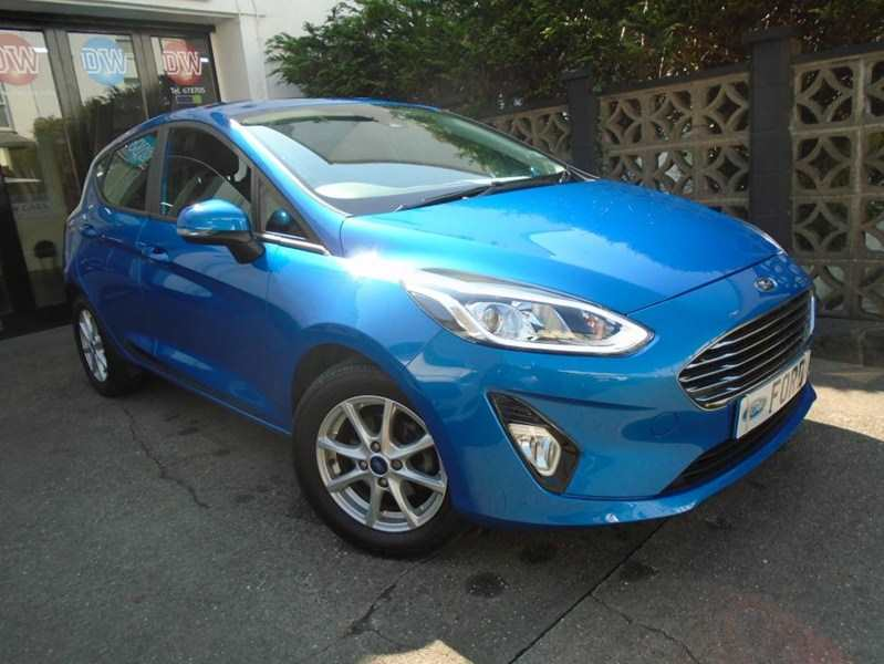Ford Fiesta 1.0 Eco Boost Turbo Zetec 5-door Desert island blue City pack - Power mirrors Park assist One owner 8,000 miles stunning