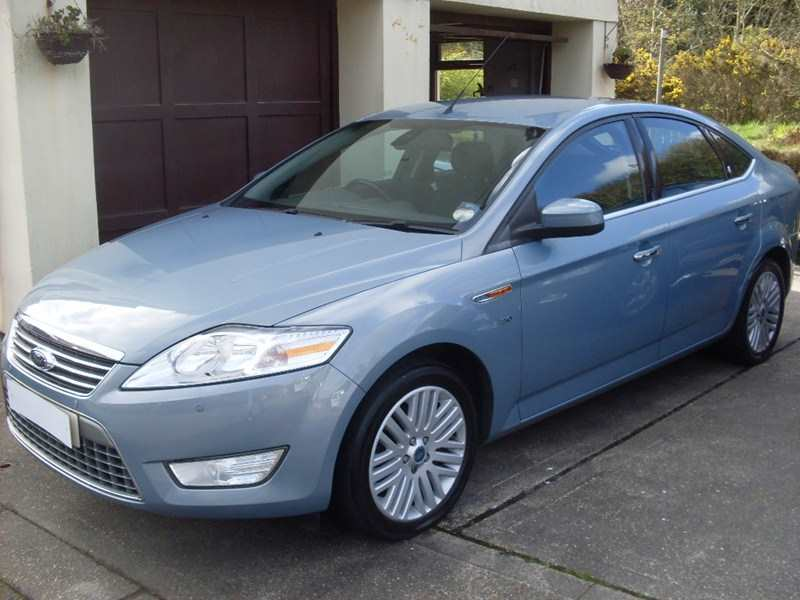 Ford Mondeo 2.0 TDCi 140 Ghia 6 Speed 5dr