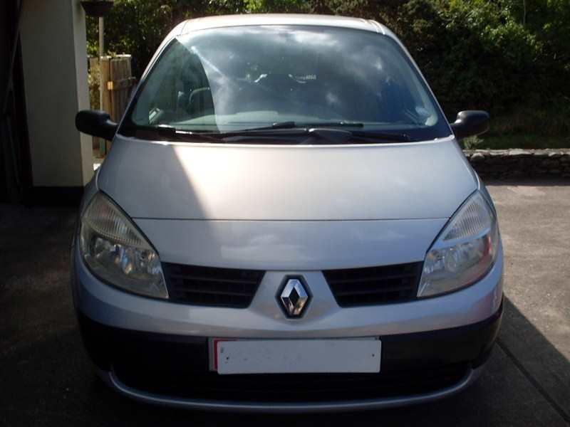 Renault Megane Scenic 1.6 16v Authentique Mpv 5 Speed